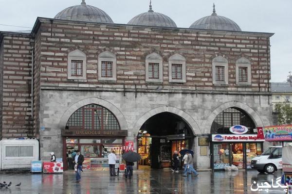 ورودی بازار ادویه استانبول