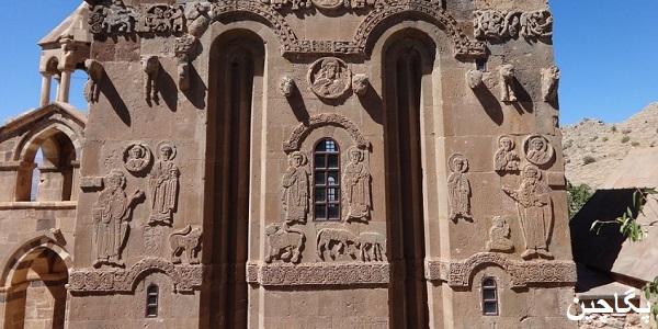 حکاکی های کلیسای صلیب مقدس وان